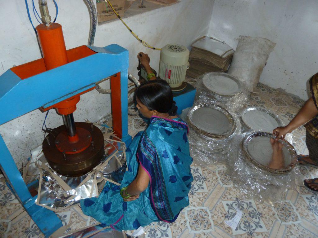 dharangaon-plates-pers